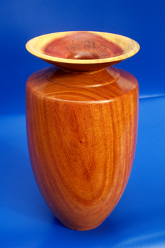 balsamo and quina wood vase