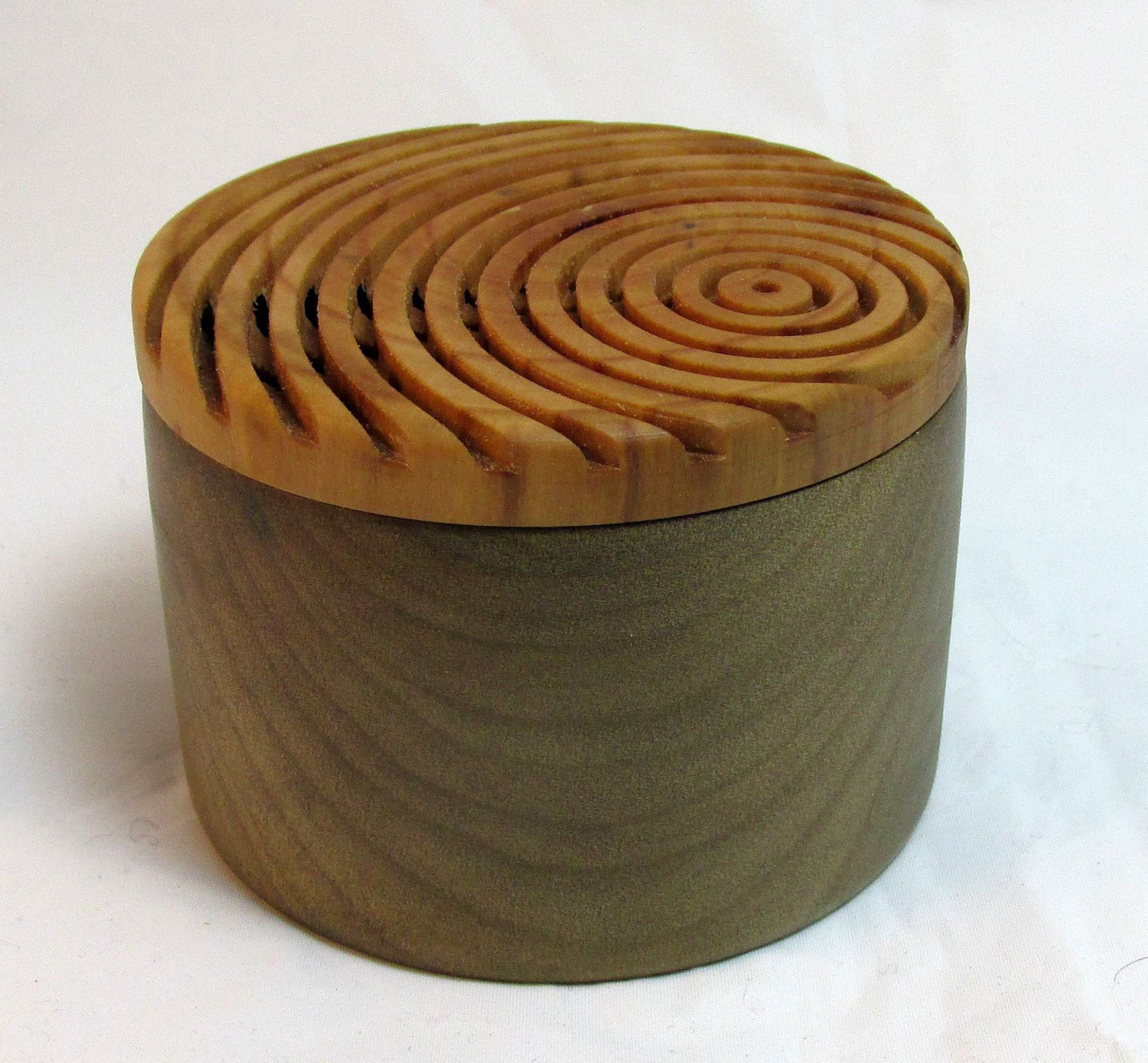 Lidded Box 02